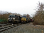 NS 7713 and CSX 7738